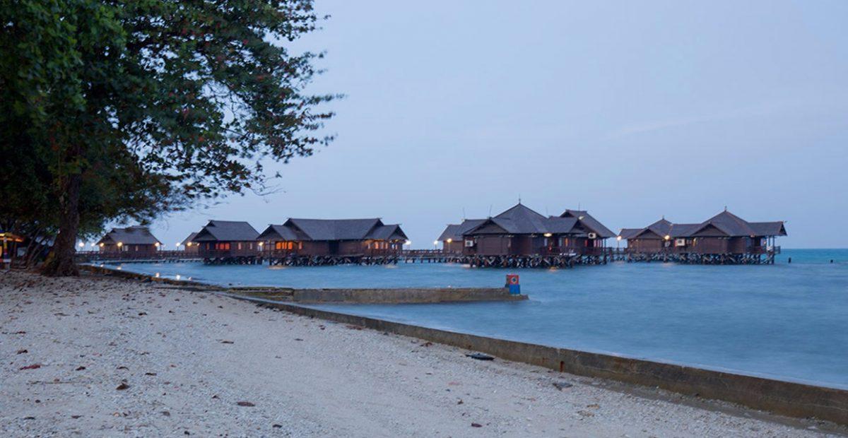 Floating Cottages pulau ayer kepulauan seribu jika di lihat dari arah pantai