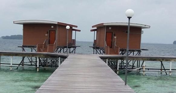 cottage pulau putri kepulauan seribu jakarta diatas laut